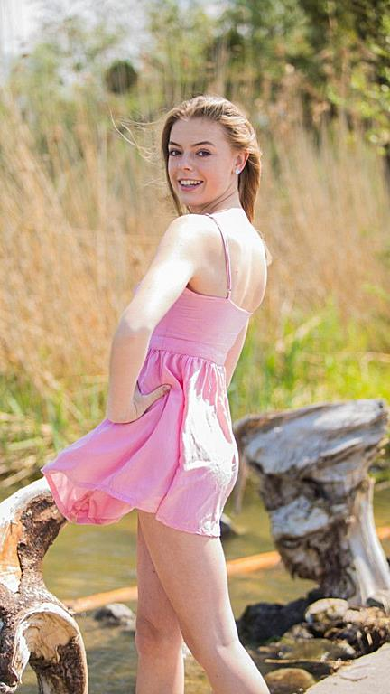 Lara aus Mittelberg