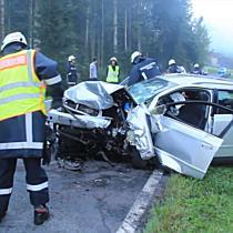 Drei Verletzte bei Frontalunfall in Sulzberg