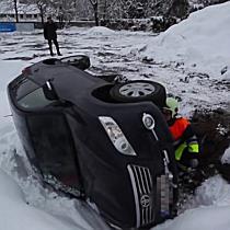 Unfall: Feldkirch PKW in Baugrube