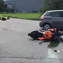 Pkw kollidiert mit Motorrad in Wolfurt