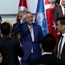 Erdogan will Kampf gegen Feinde fortsetzen - Wahl zum AKP-Chef am Sonntag