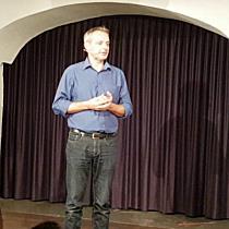 """Thomas Maurer mit """"Dialoge der Religionen"""" im Saumarkt Feldkirch"""