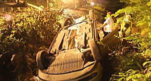 Hohenems: Führerscheinneuling stürzt mit PKW in Bachbett