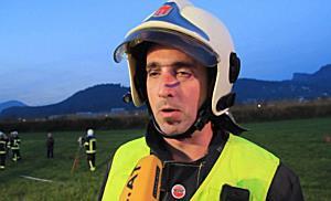 Schwerer Verkehrsunfall in Röthis - Feuerwehr muss Kameraden befreien