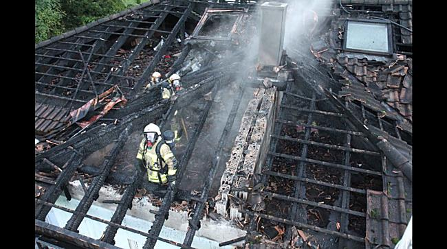 Dachstuhlbrand: Großeinsatz für Feuerwehr