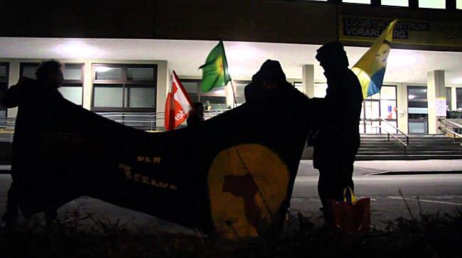Kleine Demonstration vor dem türkischen Konsulat in Wolfurt