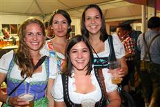 Drei Schwestern Clubbing