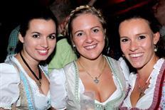 Drei Schwesternclubbing