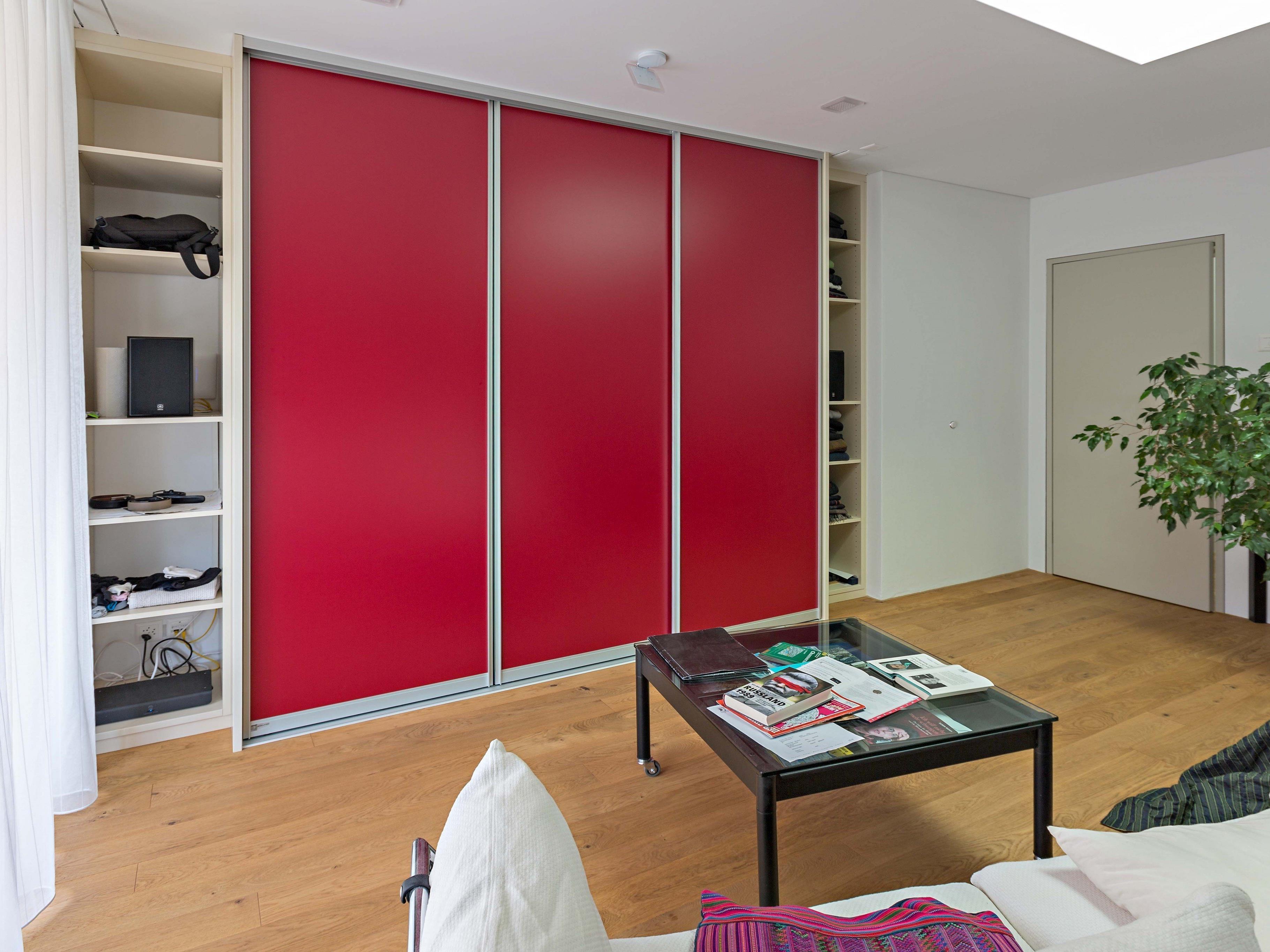 auf zu individuelle schr nke nach ma f r die ganze wohnung bauen und wohnen 1 vol at. Black Bedroom Furniture Sets. Home Design Ideas