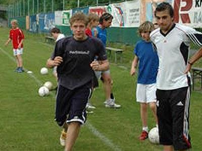 Die erfolgreiche Mäderer U16-Mannschaft beim Training.