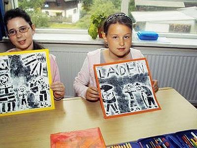 Klassenlehrerin Helga Müller arbeitete mit ihren Kindern mit Drucktechnik.