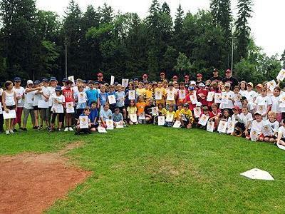 Über 100 Kinder nahmen am 1. Schulcup der Cardinals teil, kämpften fair und zeigten tolle Spiele.