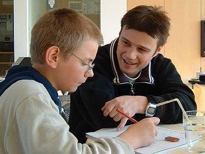 Die Arbeit mit den Kindern erfordert viel Geduld, Wissen und Einfühlungsvermögen.