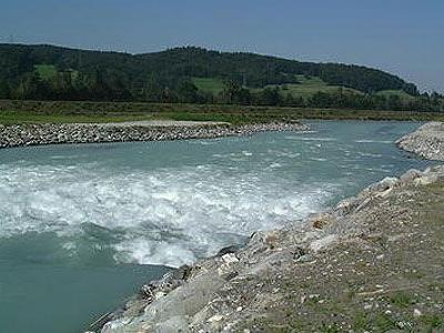 Im Bereich der Illmündung soll ein Wasserkraftwerk entstehen.
