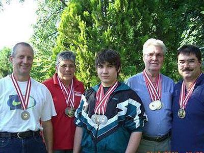 Medaillenregen: Wolfgang Ruppert, Rösle Meier, Benedikt Hödl, Hermann Sturm und Roland Hödl.