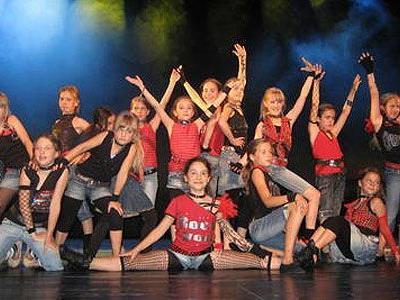 Mitreißende Show von Tanz und Multimedia