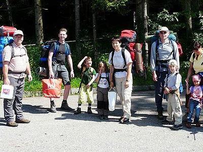 Väter mit ihren Söhnen und Mütter mit ihren Töchtern erlebten gemeinsam die Natur.