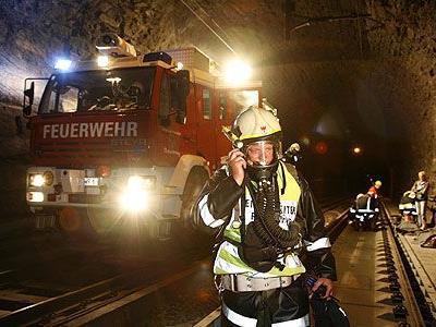 Feuerwehrübung,Arlberg,Strassen-Eisenbahntunnel,