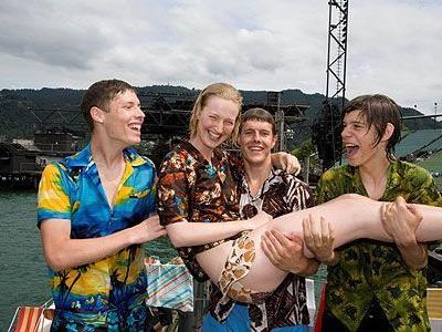 Sylvie and the Gang Sieger Tretbootrennen Festspielhaus
