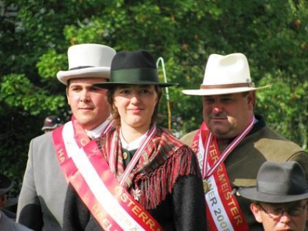 Staatsmeister vlnr: Die Staatsmeister 2008 im Ponyfahren Stefan Bösch (2-Spänner), Sandra Dreher (1-Spänner) und Peter Schenk (4-Spänner)