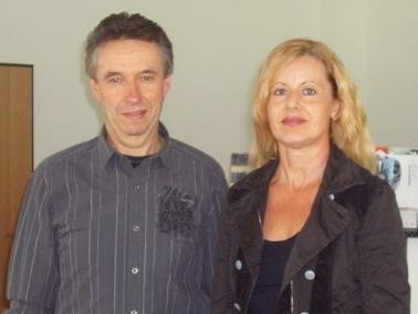 Othmar und Angelika Madlener im erfolgreich umgebauten Autohaus.