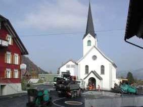 Der neue Dorfplatz wird in Kürze fertig gestellt