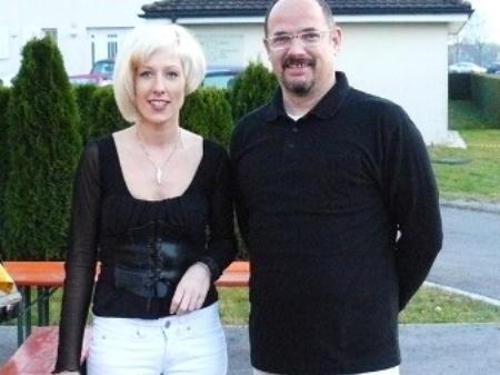 Frisörmeisterin Judith Mitterer mit Herwig Kühne, Besitzer der Lokalität.