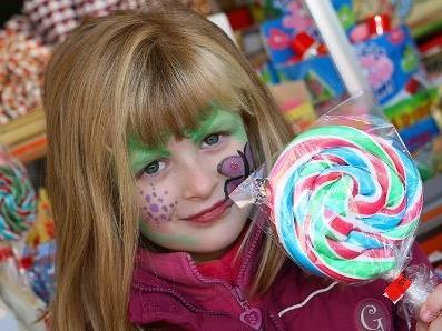Viele Kinder ließen sich schminken.