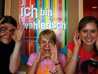 """Das Gesamtangebot für Jugendliche im Rahmen von """"Jugend & Politik"""" ist unter www.aha.or.at abrufbar."""