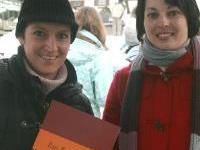 Das Kochbuch wurde beim Adventmarkt in Vandans präsentiert.