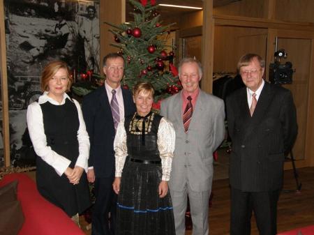 Familie Bischofberger reiste aus Kalifornien an. (Zweiter von links Dr. Norbert Bischofberger) mit Gattin und Geschwistern.