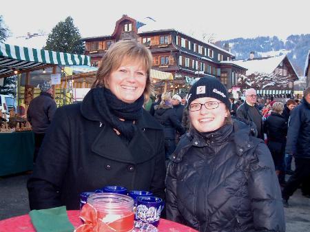 Veronika und Nina genossen das bunte Treiben in Schwarzenberg