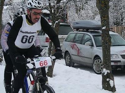 Triathlet Helmut Berger in Aktion