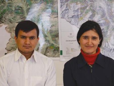 Adina Begum aus Pakistan und Dr. Shankar Pandey aus Nepal