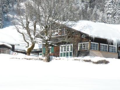 """Die Schutzhütte """"uf'm Klusberg"""" steht auf Lustenauer Grund und Boden."""