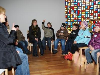 In der Seitenkapelle wurde das Thema Sonnenblume besprochen.