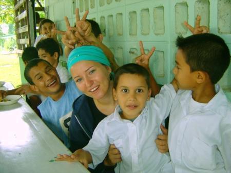 Soziale Einsätze im Ausland sind bei Jugendlichen sehr beliebt.