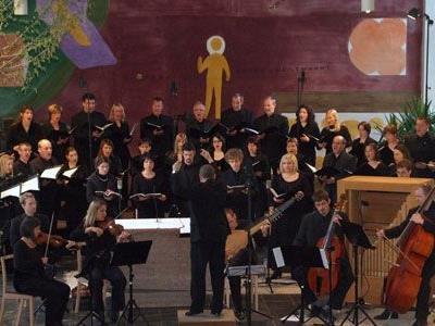"""Beeindruckende Passion mit dem Kammerchor """"Vocale Neuburg"""" in St. Gerold."""