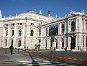 """Burgtheater bringt """"gefeierte Inszenierungen"""" wieder"""