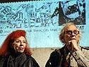 Christo und Jeanne-Claude präsentieren Sondermarke