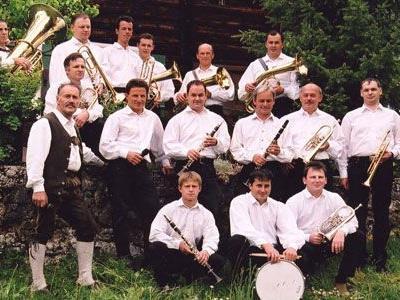 """Die """"Walser Musikanten"""" spielen zum Seniorentreff auf."""