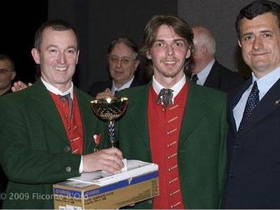 Luis Weidinger und Anton Meusburger bei der Preisverteilung in Riva/Italien.