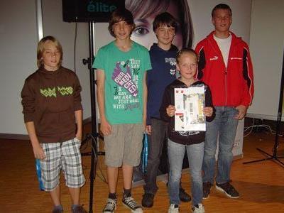 Die Finalteilnehmer der Mittelschule Nenzing: A. Zerlauth, D. Nigsch, S. Wagner, J. Bickel, L.Waldhart (v.l.).
