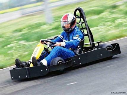 Mitmachen und Tickets fürs ÖAMTC Kartfahren gewinnen!