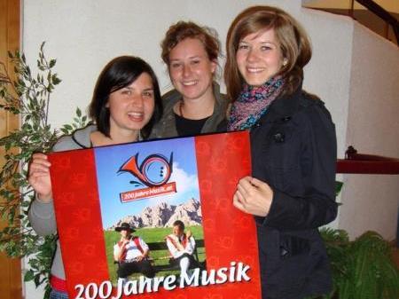 Anna, Sabrina und Sylvia wurden als Festdamen engagiert.