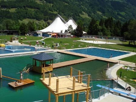 Das neue Alpenbad.