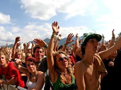 """""""sun & gatsch 09"""" - der Terminplaner in Sachen Festivals."""