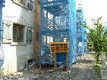 Bild: Die Wohnungen der Hämmerle-Siedlung wurden mit einer Gerüsttreppe erschlossen.