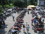 Das Treffen der alten Motorräder  in Weiler läßt jedes Bikerherz höher schlagen.