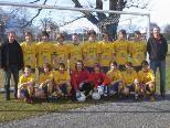 Die U-15 des Golm FC Schruns mit Trainern